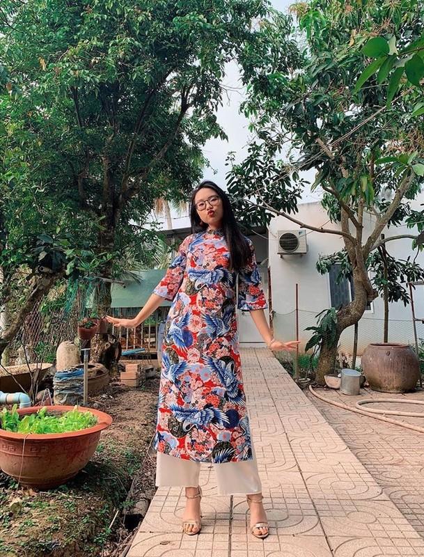 A hau Thanh Tu va chong tat bat goi banh chung don Tet-Hinh-8