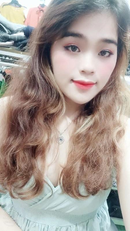 Thanh sun Ngan Thao gay tranh cai khi mac do ho hang livestream-Hinh-6