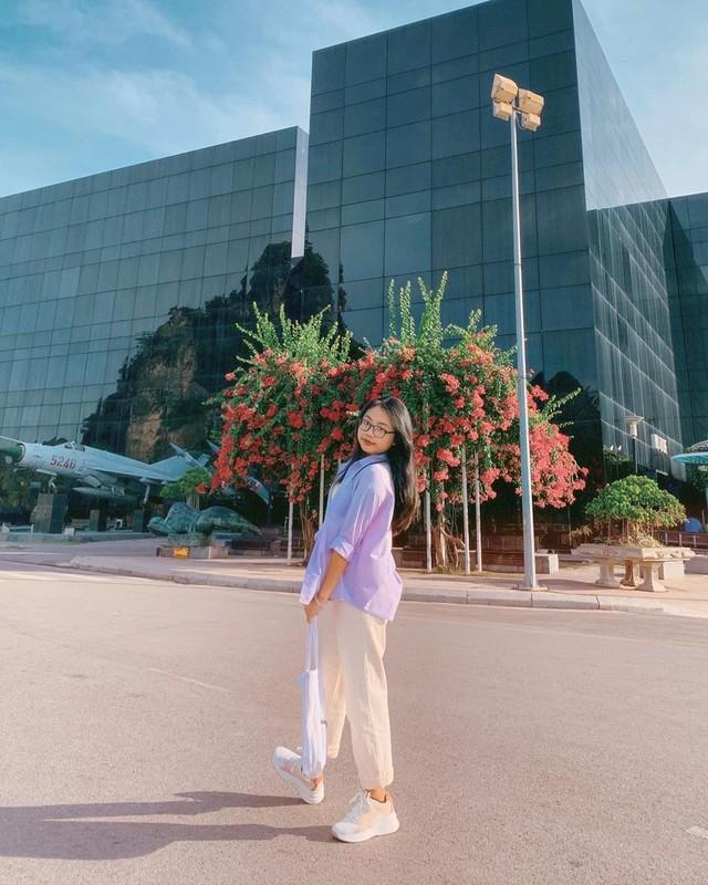 Diva Thanh Lam dang anh ngot ngao ben ban trai lam bac si-Hinh-6