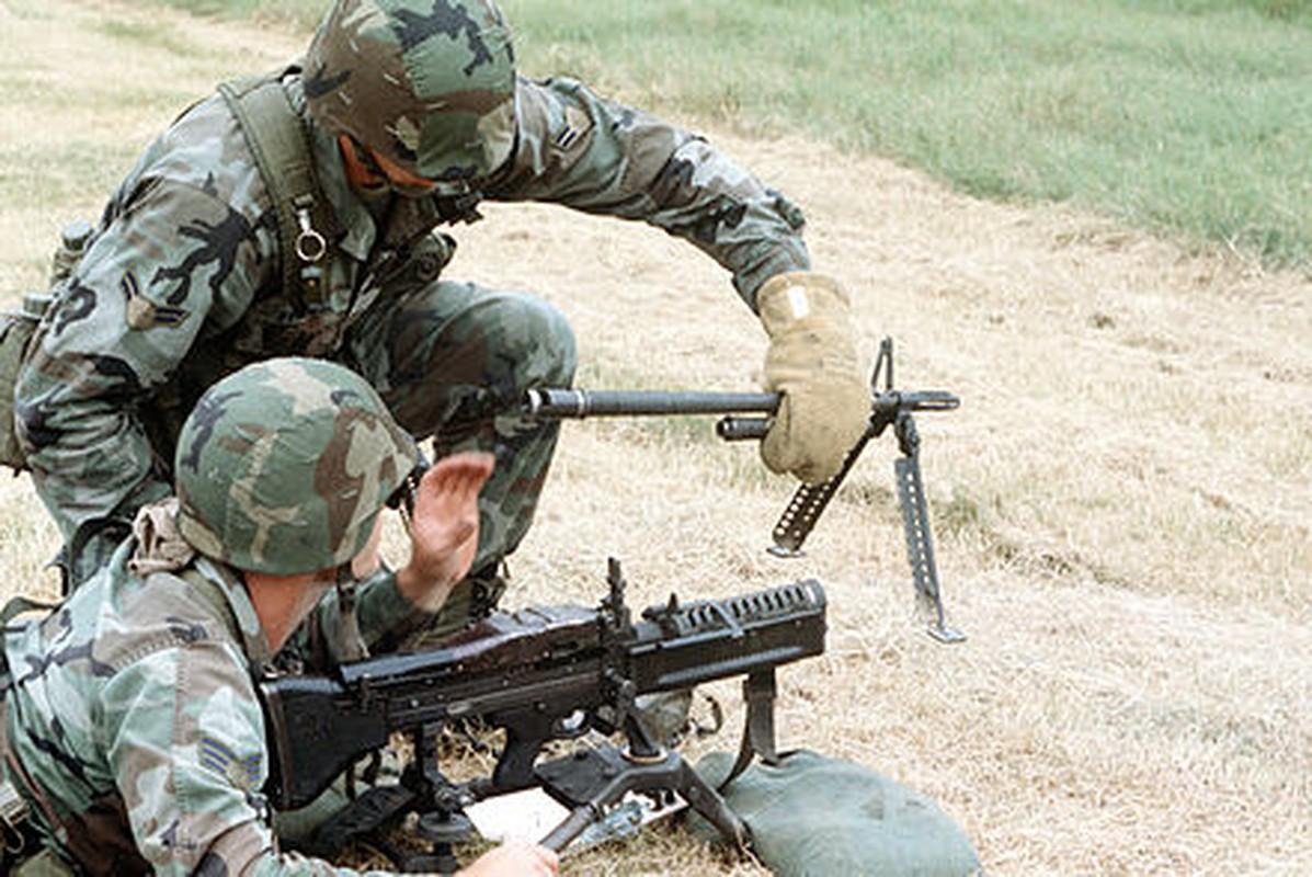 Tai sao Viet Nam nen dung lau dai sung may M60 My?-Hinh-4