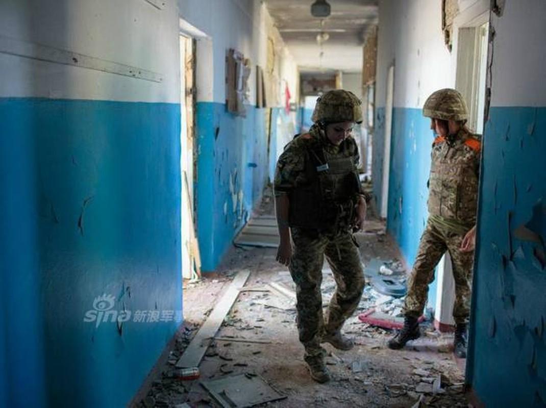 Quan doi Ukraine co rat nhieu nu binh si cuc xinh dep, nong bong-Hinh-13