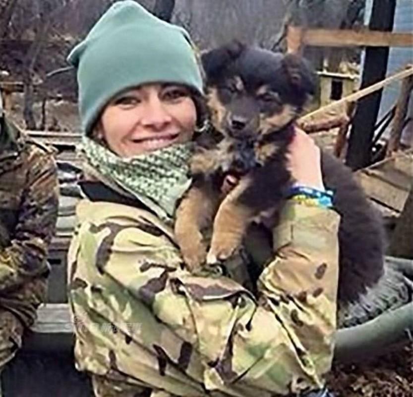 Quan doi Ukraine co rat nhieu nu binh si cuc xinh dep, nong bong-Hinh-3