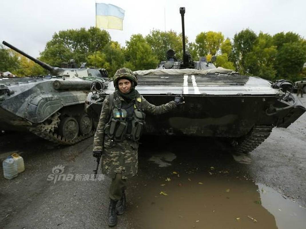 Quan doi Ukraine co rat nhieu nu binh si cuc xinh dep, nong bong-Hinh-9