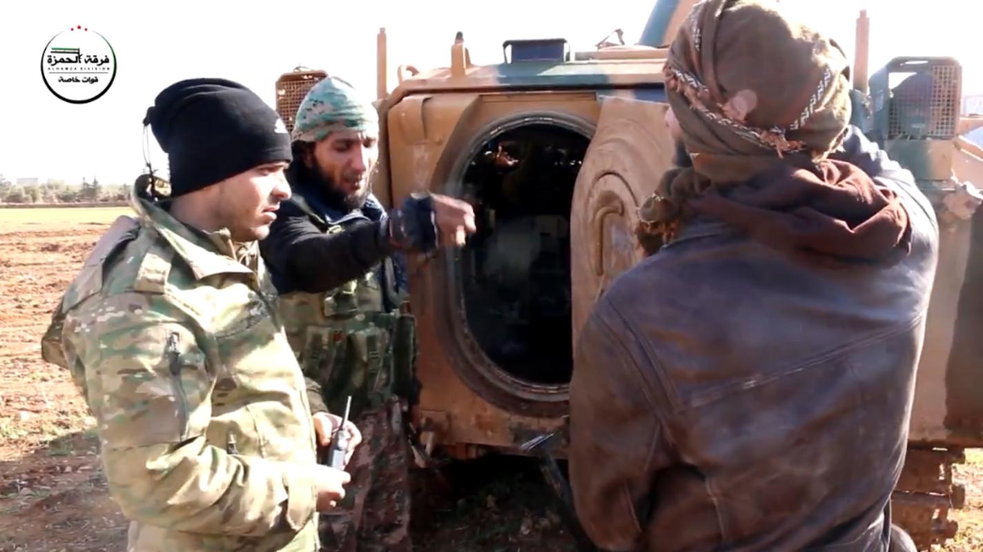Kinh ngac vu khi cua chien binh Su doan Hamza o Syria-Hinh-6
