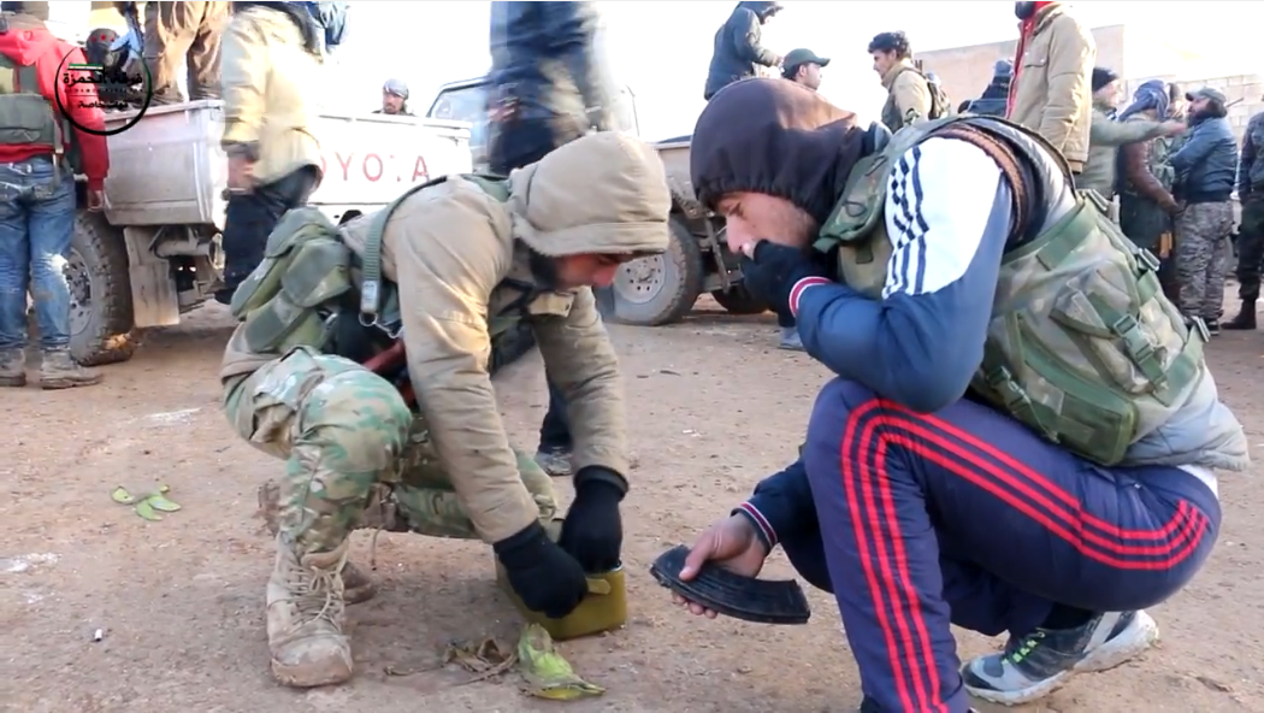 Kinh ngac vu khi cua chien binh Su doan Hamza o Syria