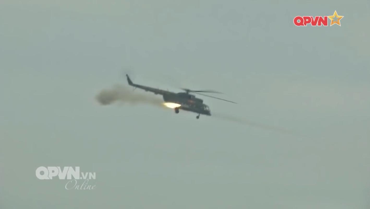 Man nhan Su-30 nem bom yem tro xe tang Viet Nam tien cong-Hinh-10