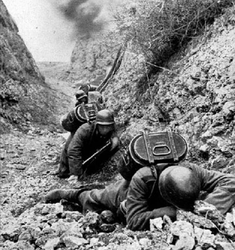 Vi sao Lien Xo dai bai o ban dao Crimea nam 1942?