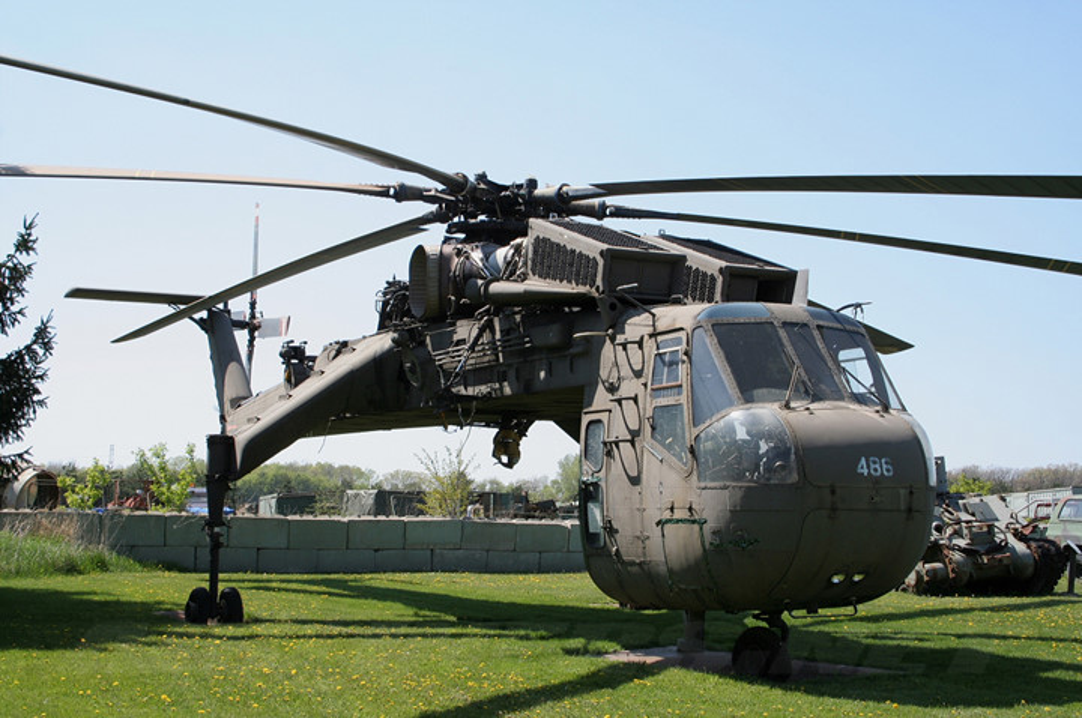 "Ngam thiet ke ""di thuong"" cua truc thang CH-54 Tarhe-Hinh-2"