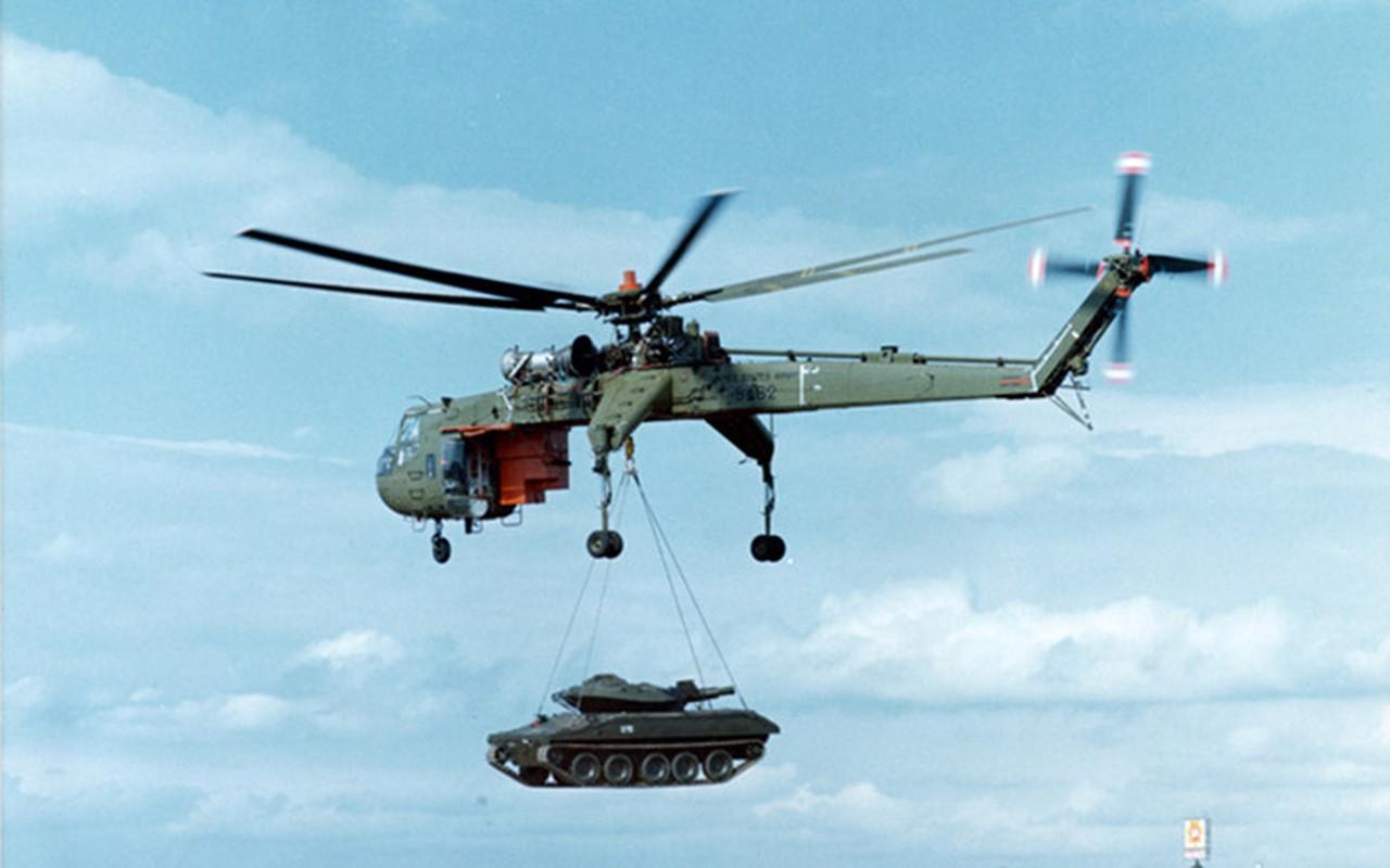 "Ngam thiet ke ""di thuong"" cua truc thang CH-54 Tarhe-Hinh-3"