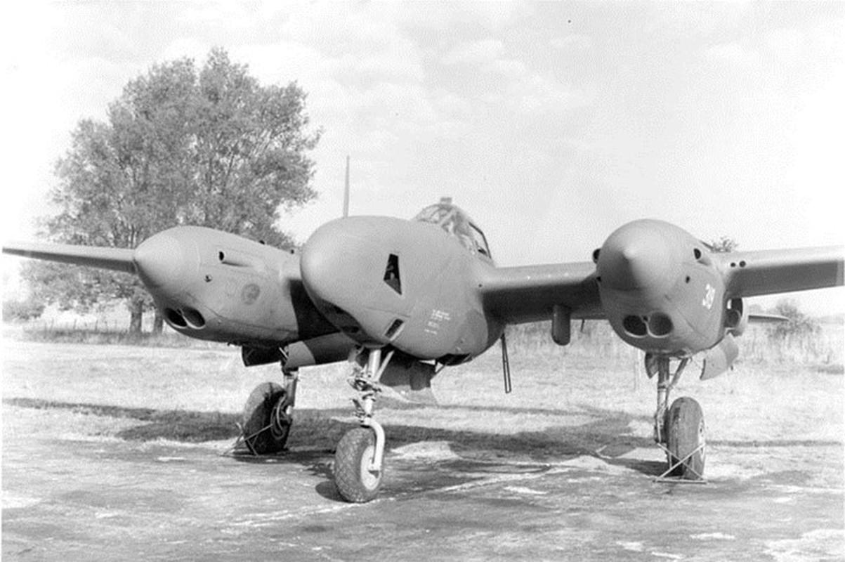 Anh tu lieu hiem tiem kich P-38 trong CTTG 2-Hinh-7