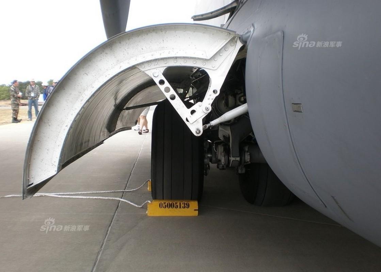 Khong lo he thong ha canh tren may bay van tai C-17-Hinh-2