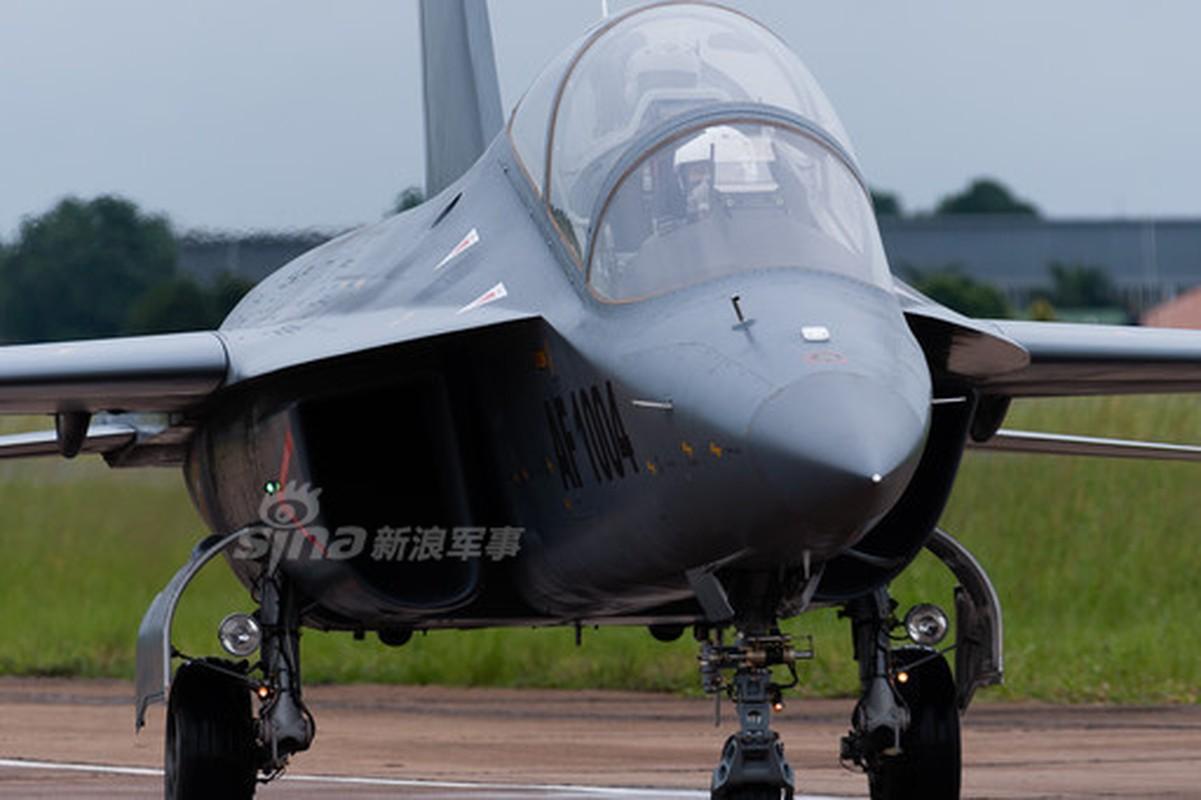 Can canh may bay huan luyen L-15 Trung Quoc ban cho Zambia-Hinh-2
