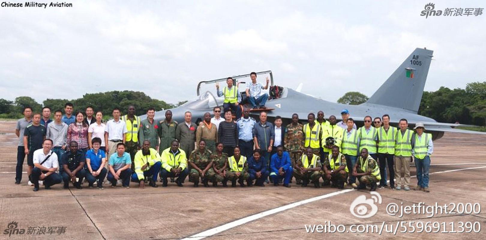 Can canh may bay huan luyen L-15 Trung Quoc ban cho Zambia