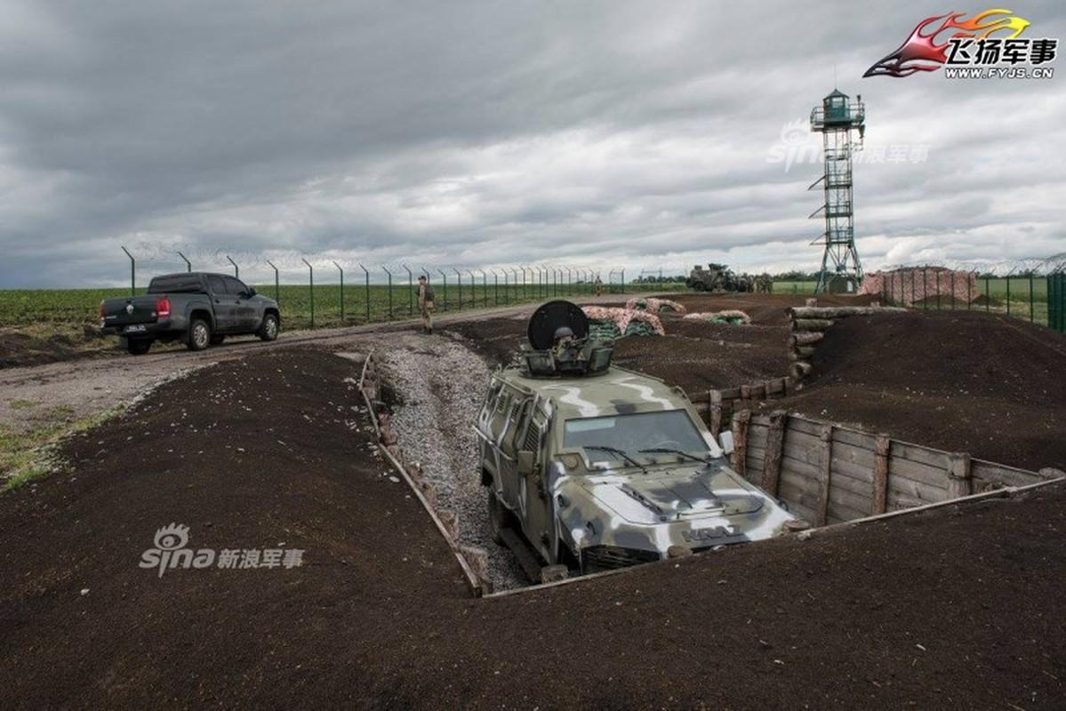 Nga-Ukraine: Tu anh em tot den xay tuong doc bien gioi-Hinh-4