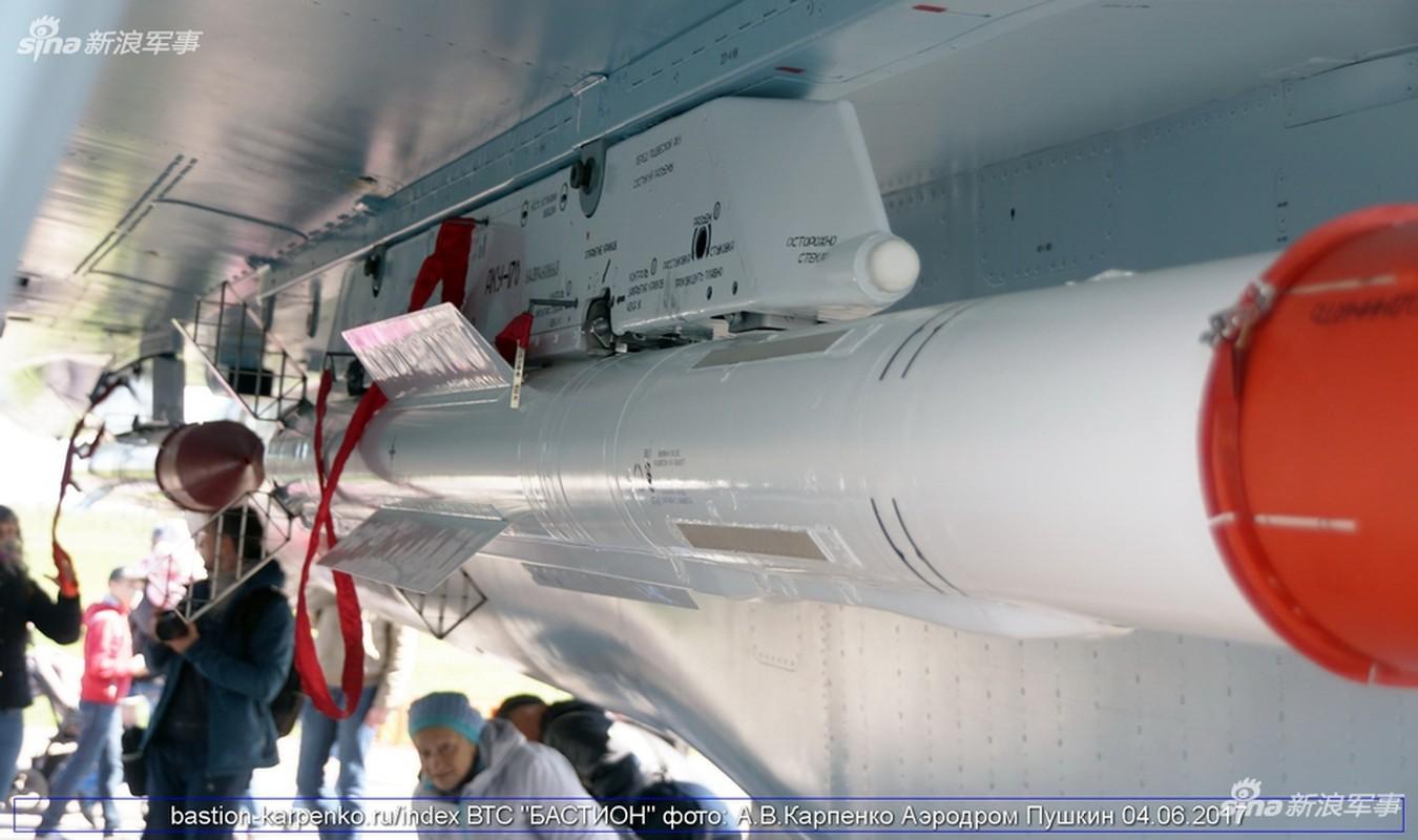 "Nhin gan ten lua ""than sau"" duoi bung tiem kich Su-35-Hinh-3"