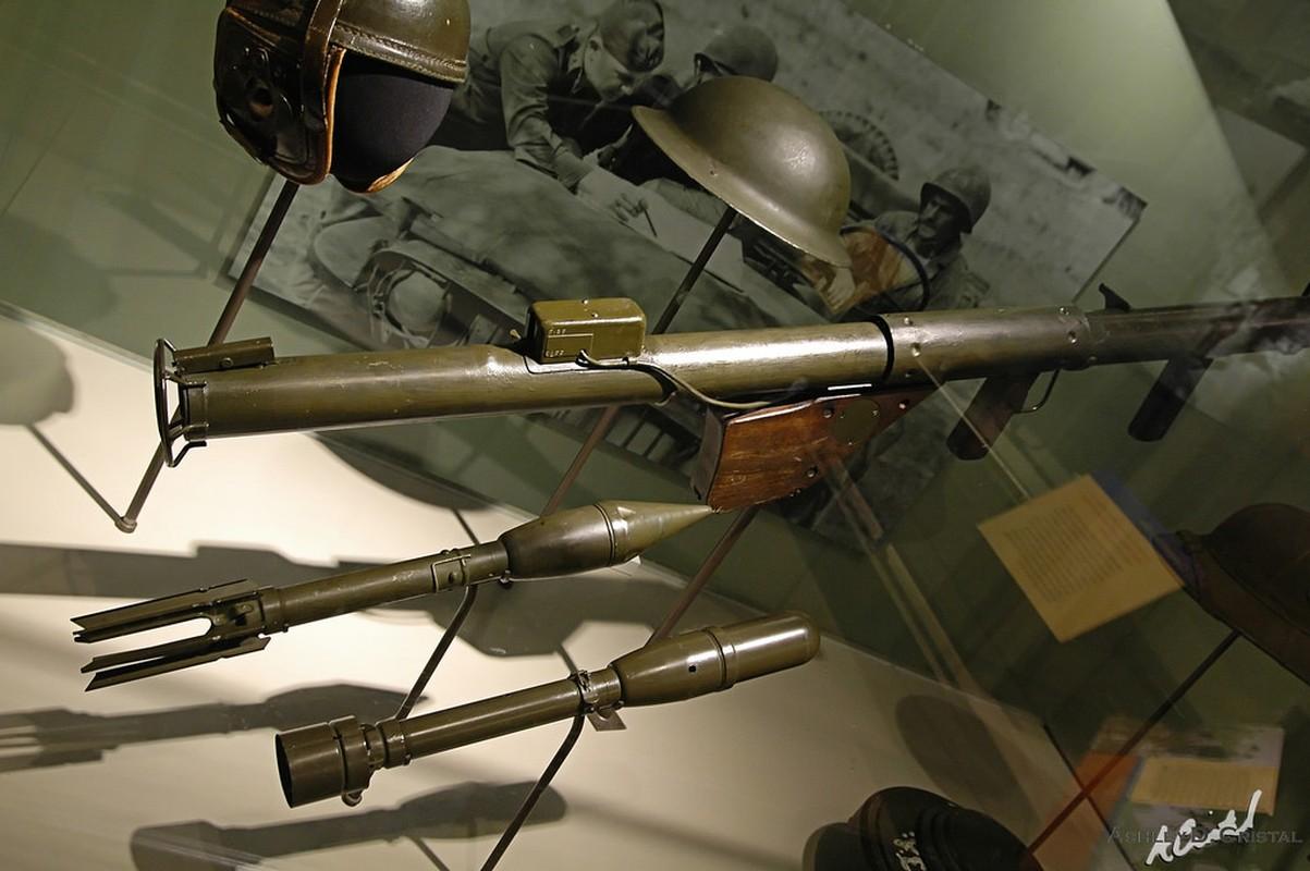 """Bazooka My trong CTTG 2, """"cha de"""" cua khau Bazooka Viet Nam-Hinh-5"""