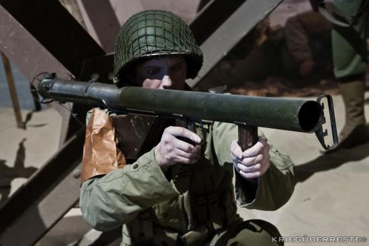 """Bazooka My trong CTTG 2, """"cha de"""" cua khau Bazooka Viet Nam-Hinh-6"""