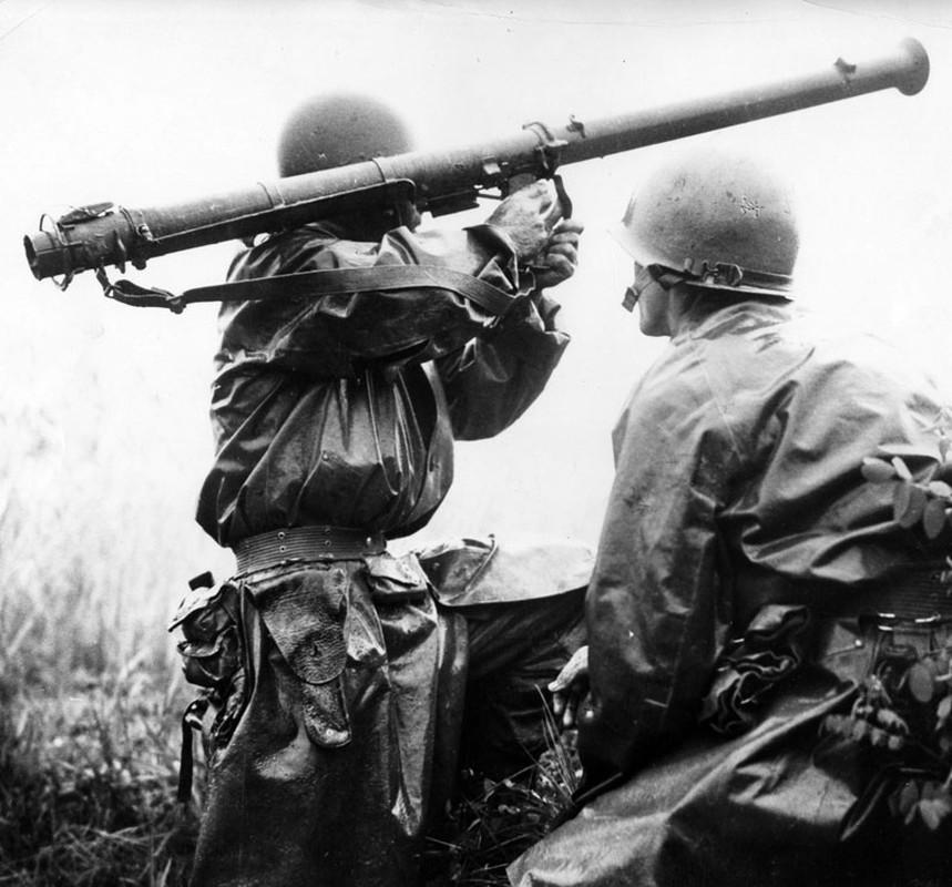 """Bazooka My trong CTTG 2, """"cha de"""" cua khau Bazooka Viet Nam-Hinh-7"""