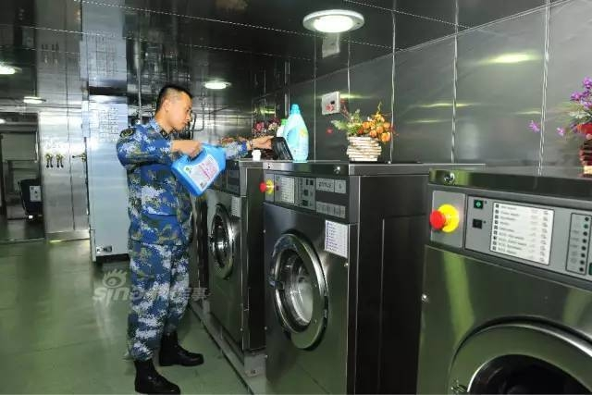 Ben trong tau san bay Lieu Ninh: Long lay nhu khach san-Hinh-11