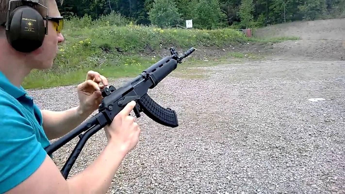 "An tuong phien ban AK-47 ""nhai"" xin hon ca ban goc-Hinh-5"