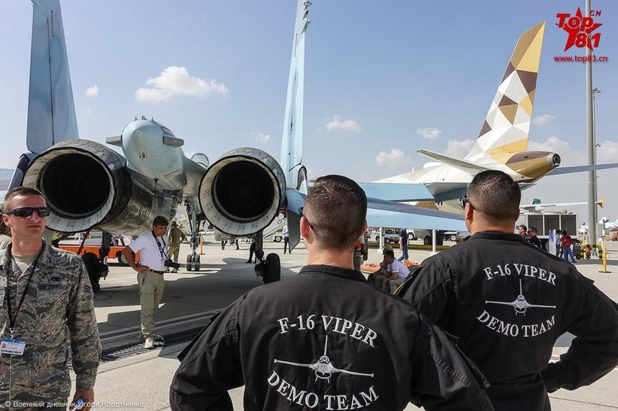 """Phi cong My """"ngan ngo"""" ngam Su-35 cua Nga-Hinh-3"""