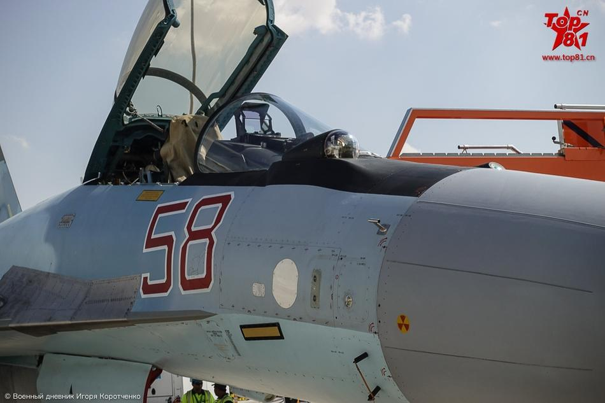 """Phi cong My """"ngan ngo"""" ngam Su-35 cua Nga-Hinh-7"""