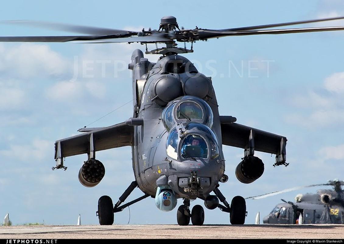 "Chum anh: Suc manh ""sieu"" truc thang tan cong Mi-35M-Hinh-13"
