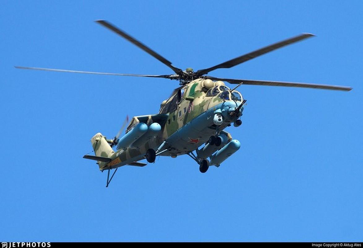 "Chum anh: Suc manh ""sieu"" truc thang tan cong Mi-35M-Hinh-3"