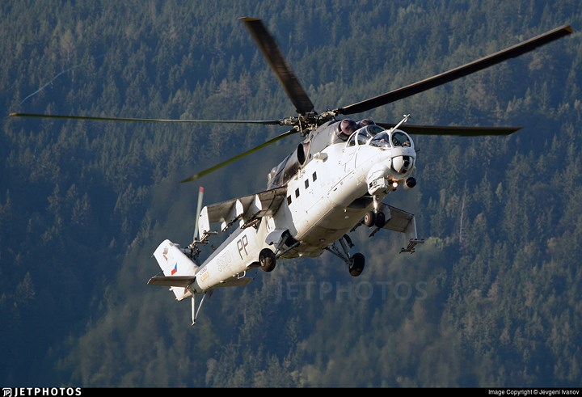 "Chum anh: Suc manh ""sieu"" truc thang tan cong Mi-35M-Hinh-6"