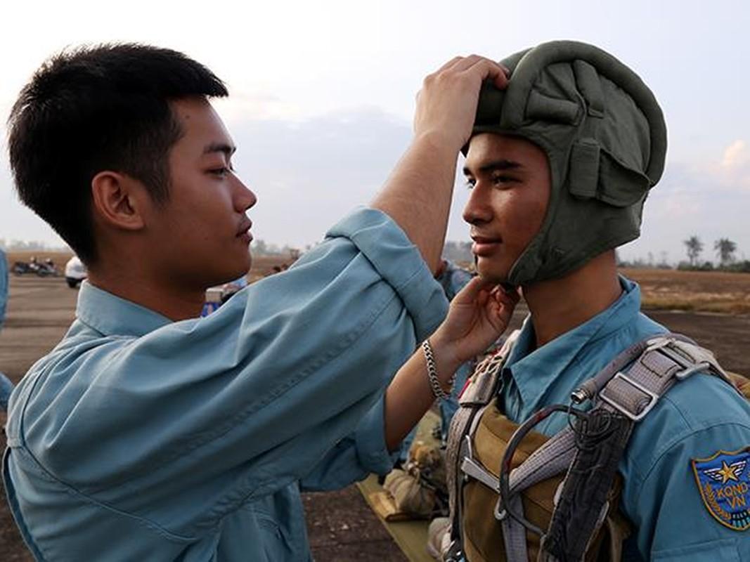 Tan mat linh du VN luyen tap do bo duong khong-Hinh-5