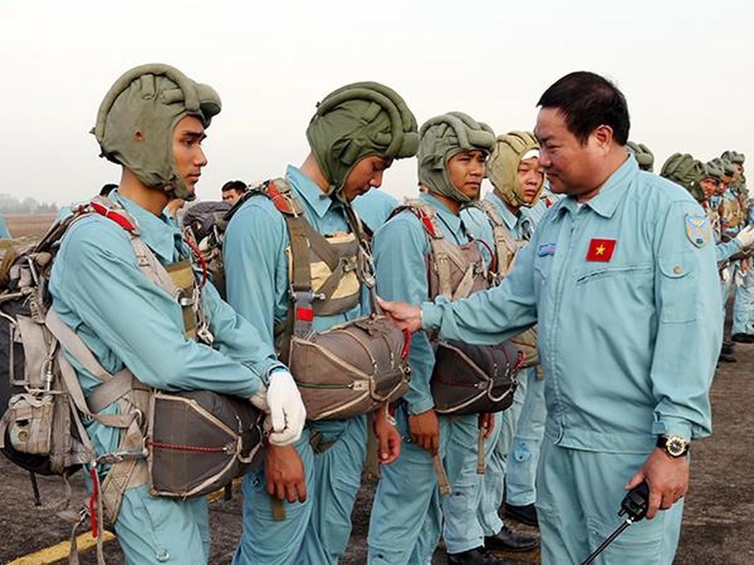 Tan mat linh du VN luyen tap do bo duong khong-Hinh-6