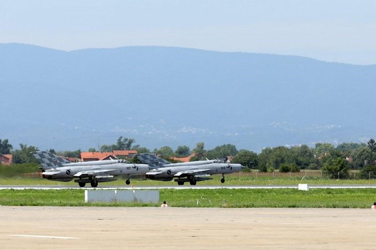MiG-21 Croatia ho tong chuyen co cho A quan World Cup 2018-Hinh-4