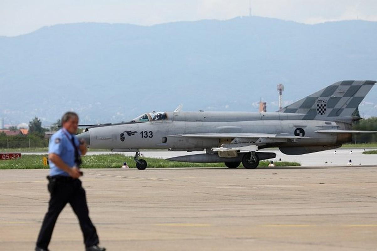 MiG-21 Croatia ho tong chuyen co cho A quan World Cup 2018
