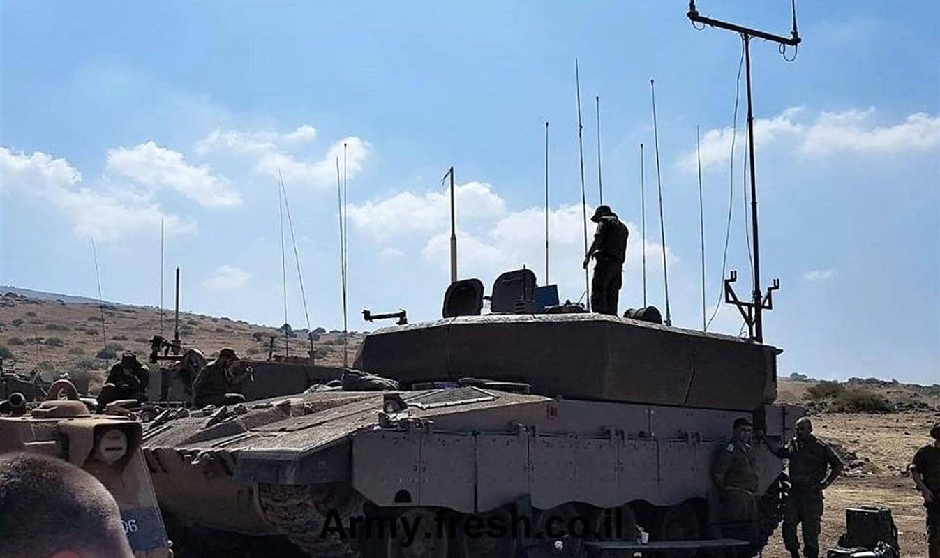 Xe chi huy chien truong Ofek cua Israel