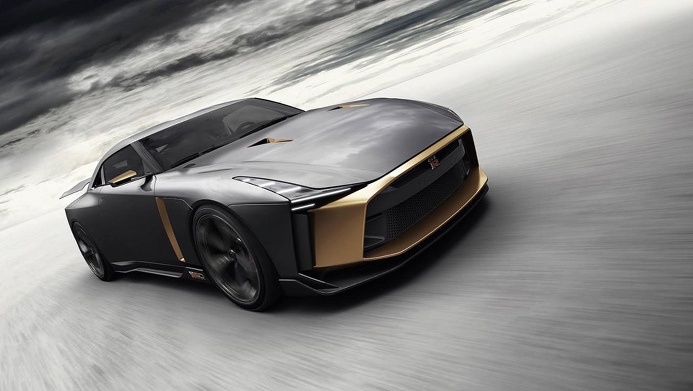 Nissan GT-R lot xac duoi ban tay hang thiet ke Italy