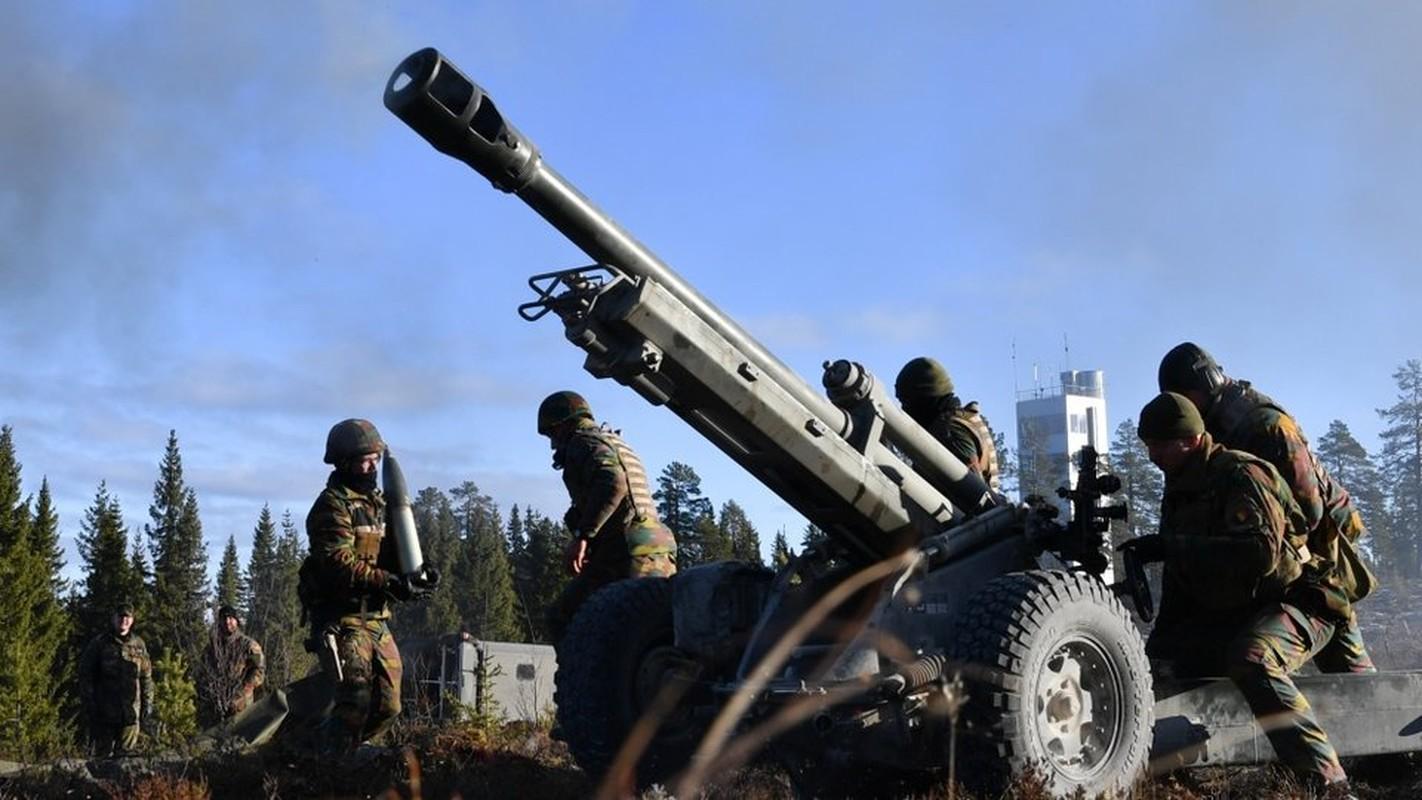 Nong hoi hinh anh ve cuoc tap tran lon nhat the ky 21 cua NATO-Hinh-3