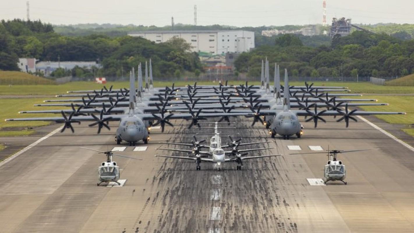 "Bat ngo man chia tay dac biet cua ""than bien"" F/A-18C-Hinh-9"