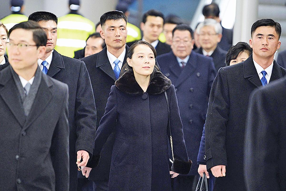 """Soi dan """"can ve ao den"""" cua ong Kim Jong-un sap den HN-Hinh-6"""