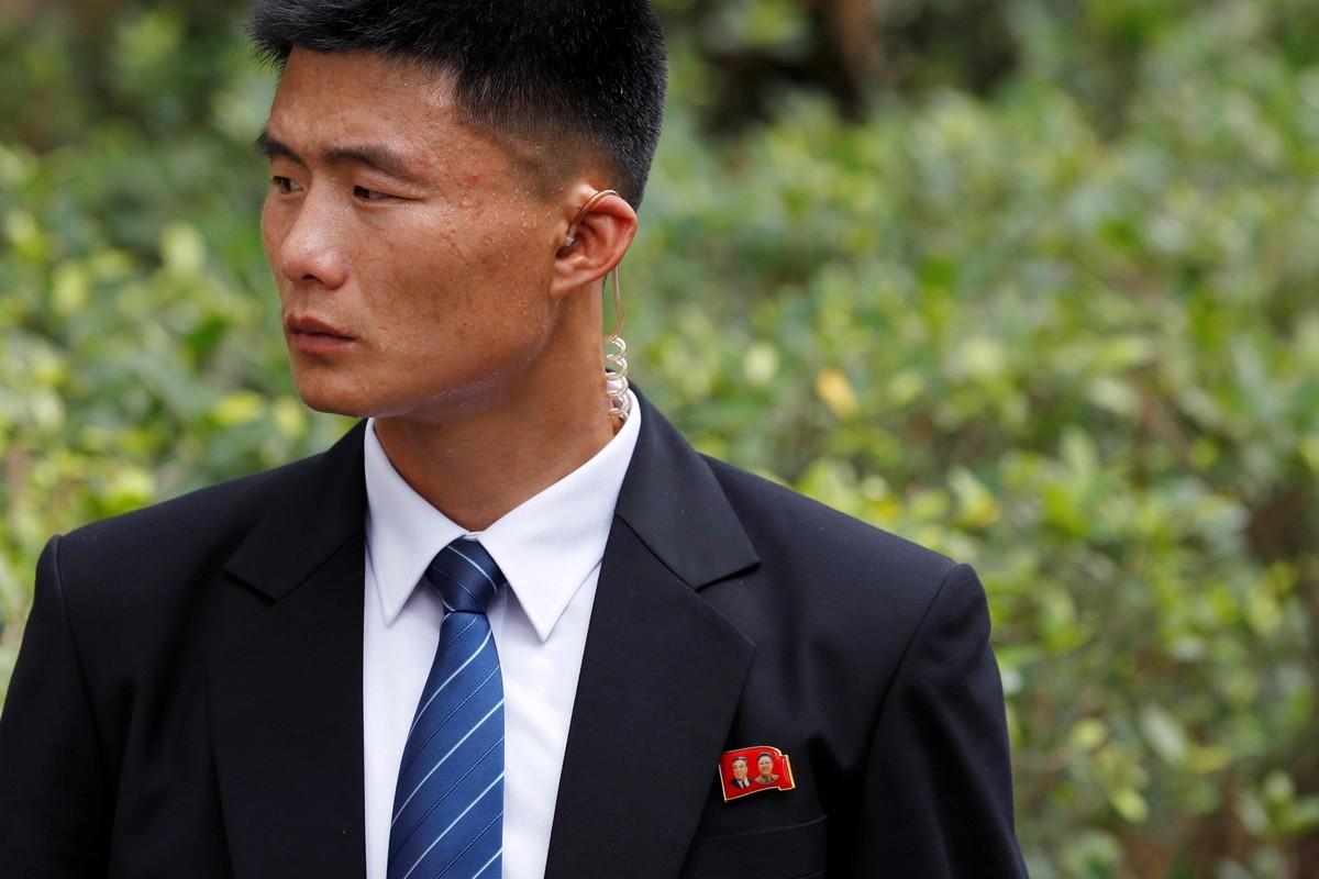 """Soi dan """"can ve ao den"""" cua ong Kim Jong-un sap den HN-Hinh-8"""
