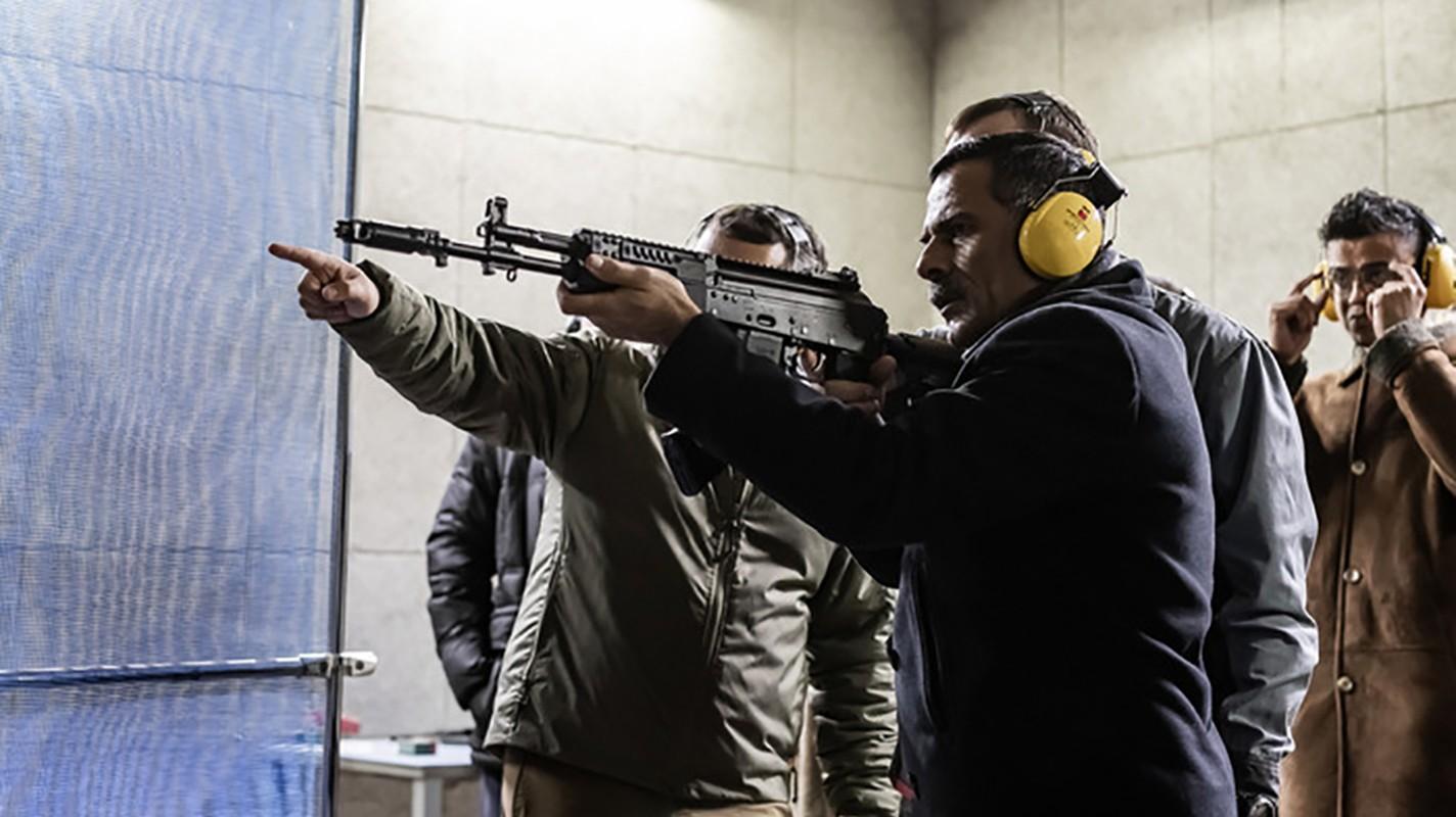 Ban AK-103 cho A Rap Xe Ut, Nga lai trung dam o IDEX 2019-Hinh-5