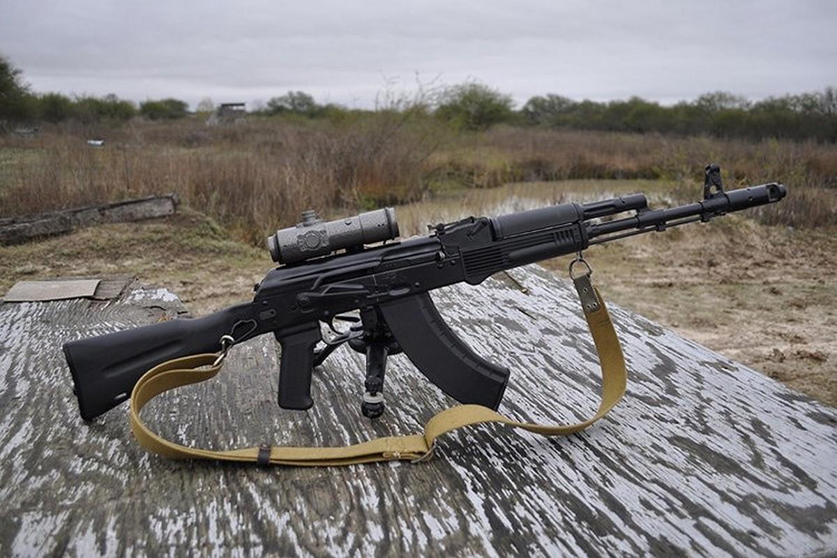 Ban AK-103 cho A Rap Xe Ut, Nga lai trung dam o IDEX 2019-Hinh-9