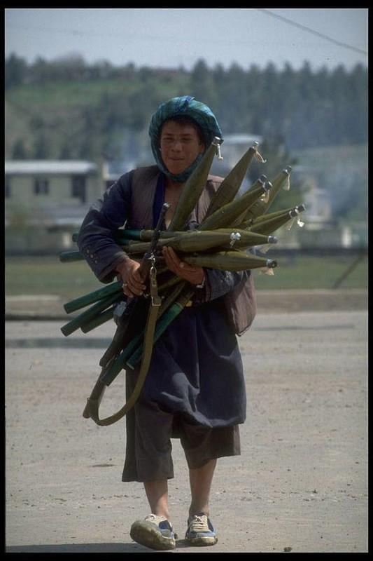 Cuoc chien khoi mao cho Chu nghia Khung bo va su tro treu cua My-Hinh-3
