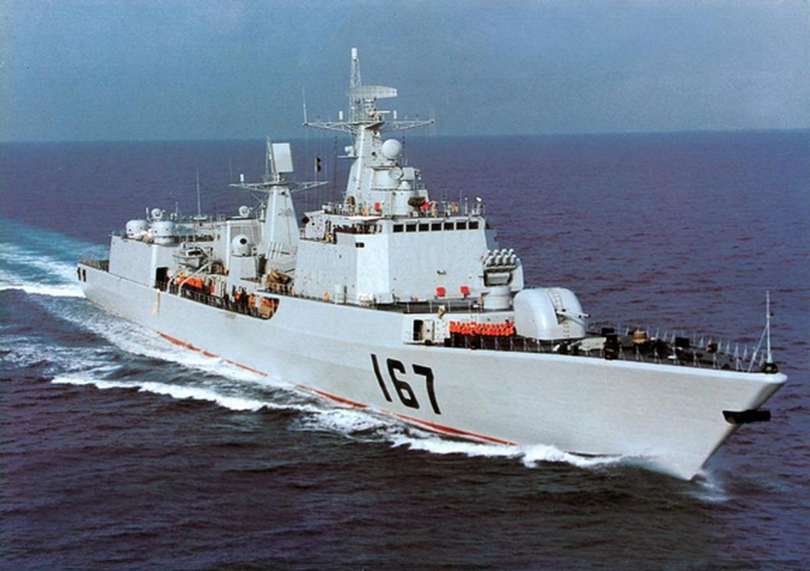 Tai sao Trung Quoc chi dong duy nhat mot khu truc ham Type 051B?-Hinh-6