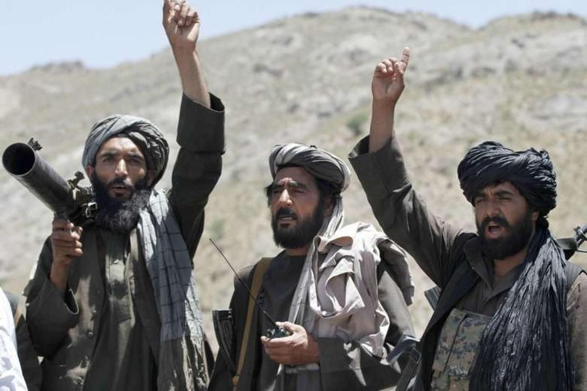 Kinh hai cach Taliban luyen quan khong khac gi biet kich My-Hinh-7
