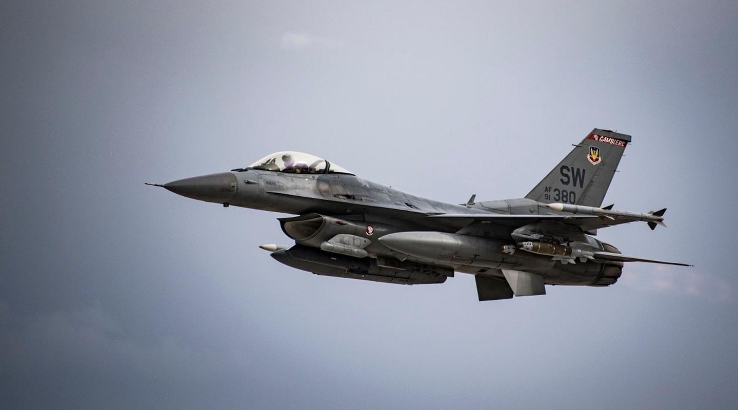 Chi 13 ty USD mua F-16, Dai Loan quyet vuc day khong quan-Hinh-4