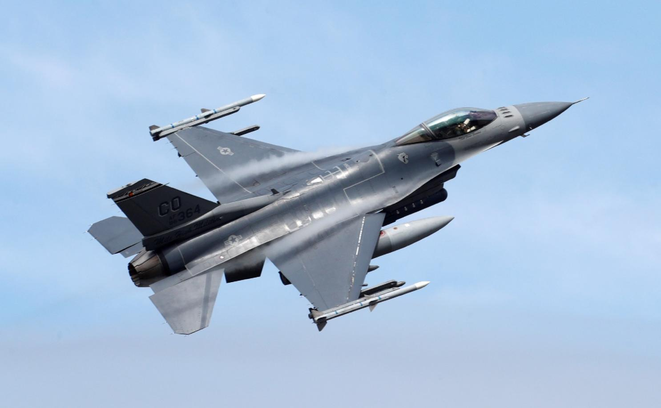Chi 13 ty USD mua F-16, Dai Loan quyet vuc day khong quan-Hinh-5