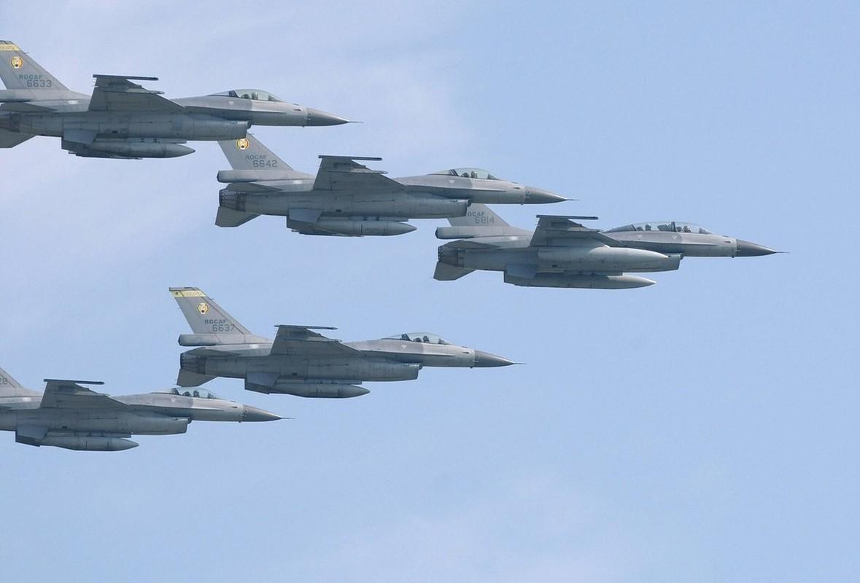 Chi 13 ty USD mua F-16, Dai Loan quyet vuc day khong quan-Hinh-7