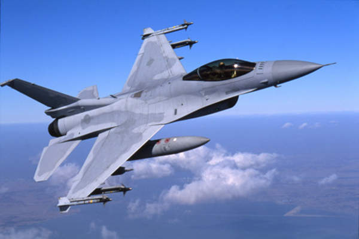 Chi 13 ty USD mua F-16, Dai Loan quyet vuc day khong quan