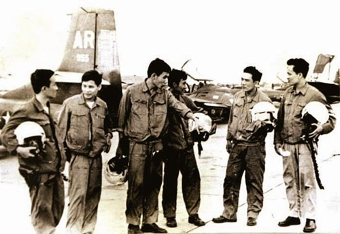Cuoc khong kich than toc cua phi doi A-37 vao Tan San Nhat-Hinh-3
