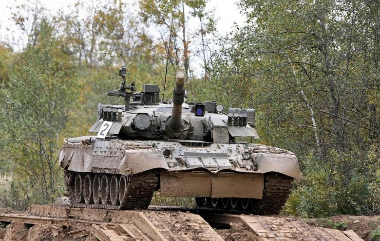 Hai quan Danh bo duoc trang bi T-80BVM, Luc quan Nga phat them-Hinh-9